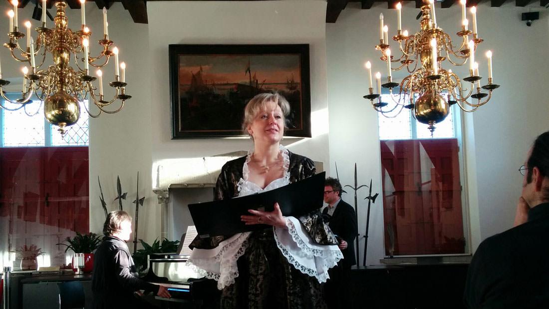 Danny Van Hoof - sopraan & zangeres